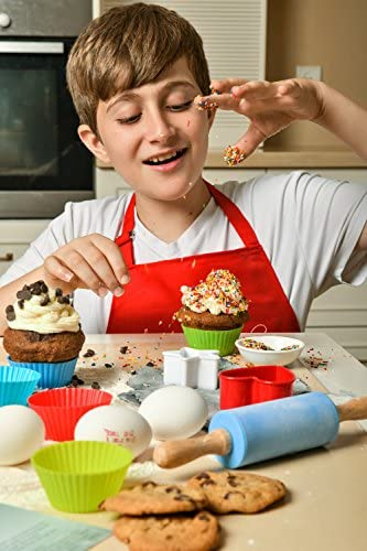 Riki's kingdom Kids Deluxe real baking/cooking set in a storage box with recipes/Cupcake cups/decorating kit/Cookie Cutters/Measuring Spoons/whisk/Rolling Pin (Kids Deluxe set): Kitchen & Dining