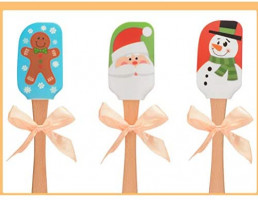 Christmas Printed Wooden Handle Silicone Spatula Scraper Butter Knife Cake Cream Stirrer Kitchen Baking Tool (Gingerbread Man): Kitchen & Dining