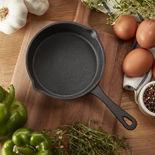 5.4 inch (13.7cm) pre-seasoned cast iron skillet: Kitchen & Dining