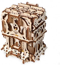 UGEARS 3D Puzzle for Board Games – Deck Box for up to 120 Game Cards - Unique Mechanical Devices for Family Tabletop Role-Playing Games - Wooden Construction Kits for Adults: Toys & Games