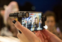 Rode VideoMic Me Compact TRRS Cardioid Mini-Shotgun Microphone for Smartphones: Musical Instruments